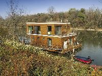 Plávajúci nízkoenergetický dom na Váhu