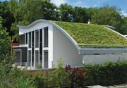 Pasívny dom so zelenou strechou - Nemecko
